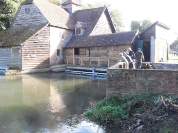 Renewables First - WRE: Archimedes screw at Mapledurham Mill