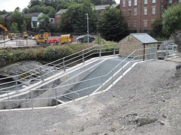 Rochdale 20 kW Archimedes screw and fish pass