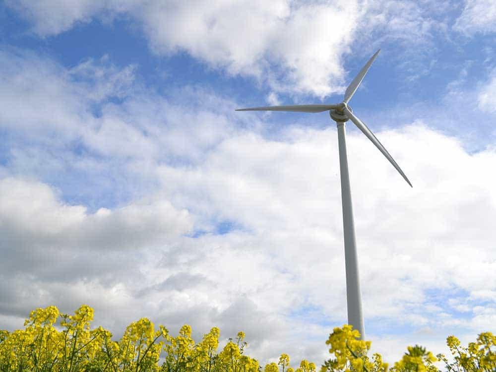 Blacktoft Wind turbine Commissioning - Renewables First